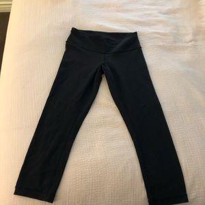 Lulu lemon black cropped leggings